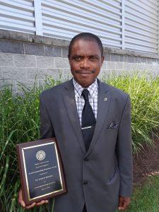 Dr Mensah Francis, lauréat